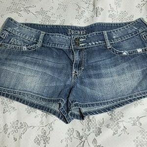 DECREE Distressed Denim Shorts sz 15
